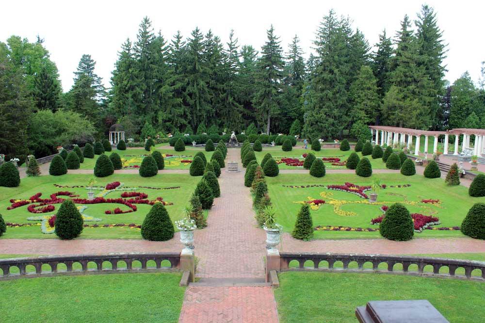 Sonnenberg Gardens